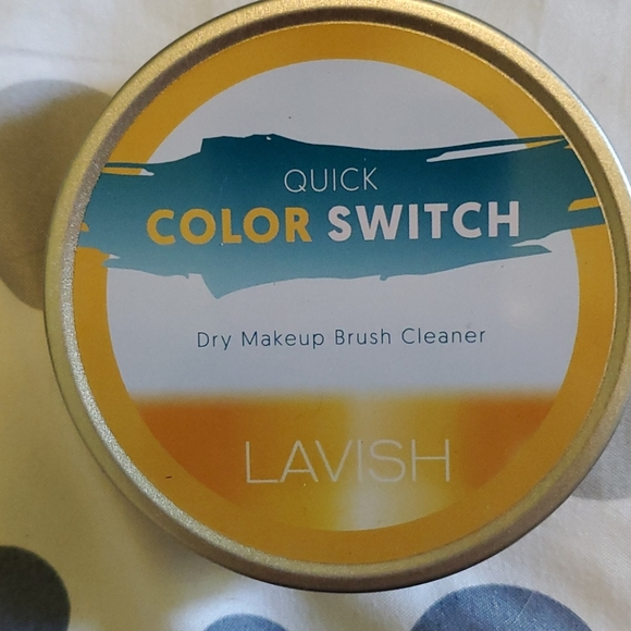 Color Switch brush cleaner
